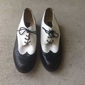 Kenneth Cole New York Wingtip Black & White Shoes